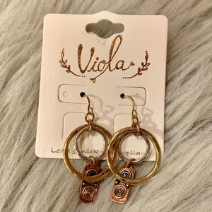 NWT dainty mixed metal earrings
